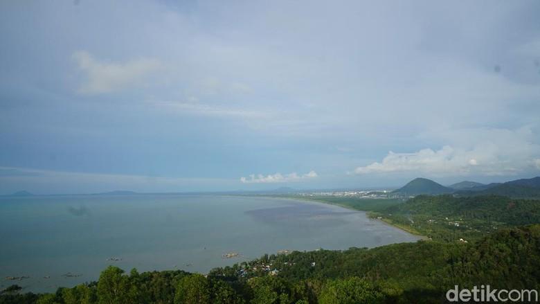 Puncak Tanjung Bajau di Singkawang