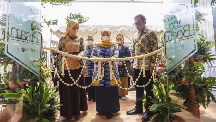 Wali Kota Bogor, Bima Arya meresmikan Gedung Pusat Kerajinan Kota Bogor yang berlokasi di Jalan Bina Marga Nomor 1b, Kelurahan Baranangsiang,