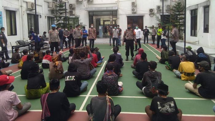 61 Orang Hendak Ikut Aksi 1812 di Jakarta Di-rapid Tes