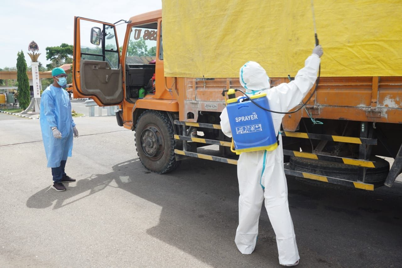 Aktivitas ekspor di PLBN Motamasin