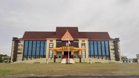 Terjaring OTT KPK, Bupati Kuansing Andi Putra Diperiksa di Polda Riau