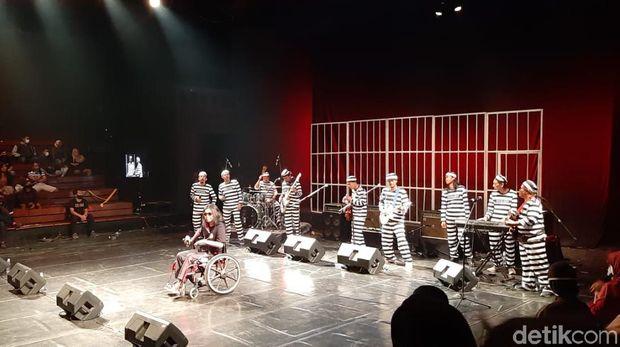 Grup musik humor asal Solo Pecas Ndahe