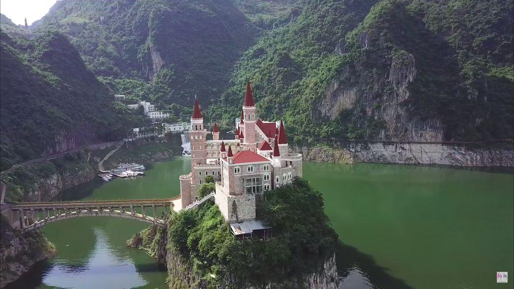 Jilongbao Resort