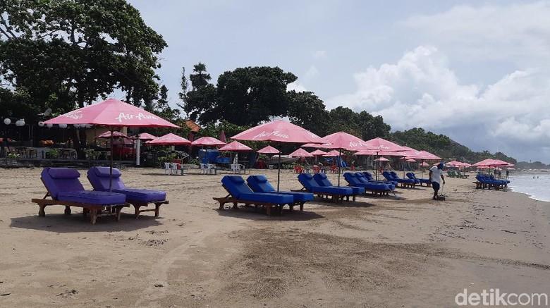 Pantai Seminyak Bali yang sepi