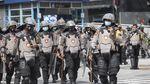 Foto: Saat Polisi Pukul Mundur Massa Aksi 1812