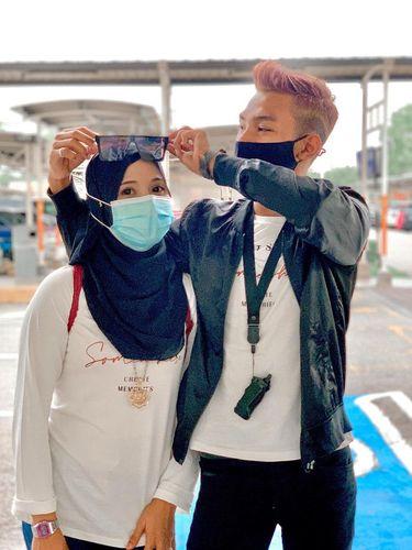 Kisah Muhammad Haikal Danial Mohd Edie yang dikira kakak beradik dan juga pacar ketika membuat video bersama sang ibunda.
