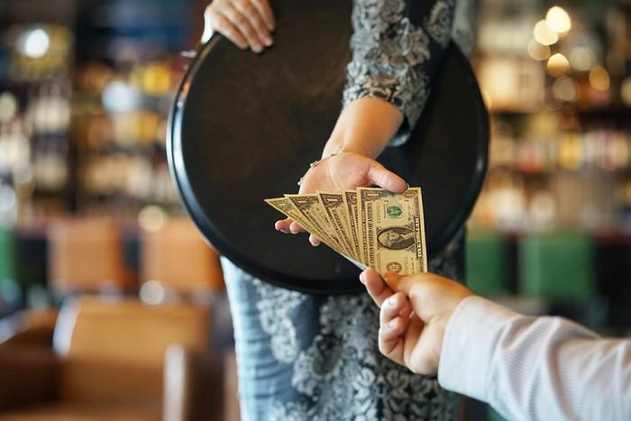 Pelanggan Berikan Tip Rp 70 Juta ke Restoran