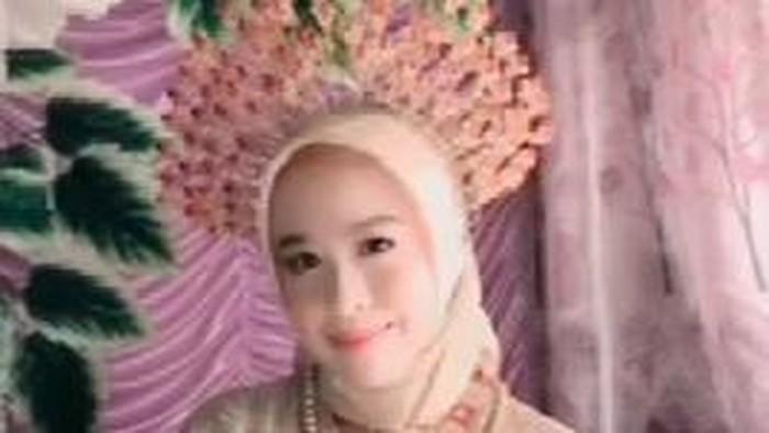 Verawaty Fajrin (20) di Bone, Sulsel viral di media sosial usai menerima lamaran seorang pria dengan mahar Rp 100 juta (dok. Istimewa).