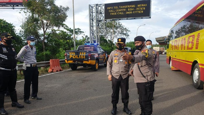 Wakapolda Banten Brigjen Ery Nursatari melakukan pemantauan operasi yustisi.