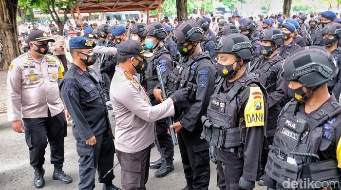 Polisi menyiapkan 2.325 personel untuk mengamankan Pilkades serentak di Sidoarjo. Ada 173 desa yang menggelar Pilkades.