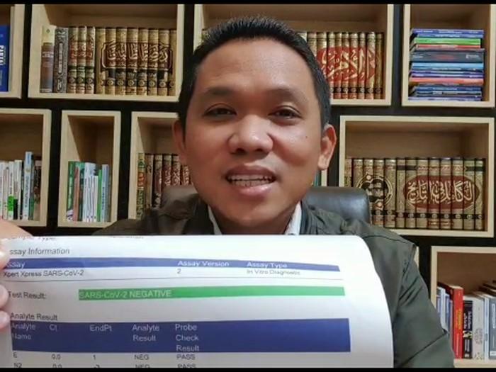 Bupati Lumajang Thoriqul Haq sembuh dari COVID-19. Ia dinyatakan sudah negatif dari COVID-19 setelah menjalani tes swab.
