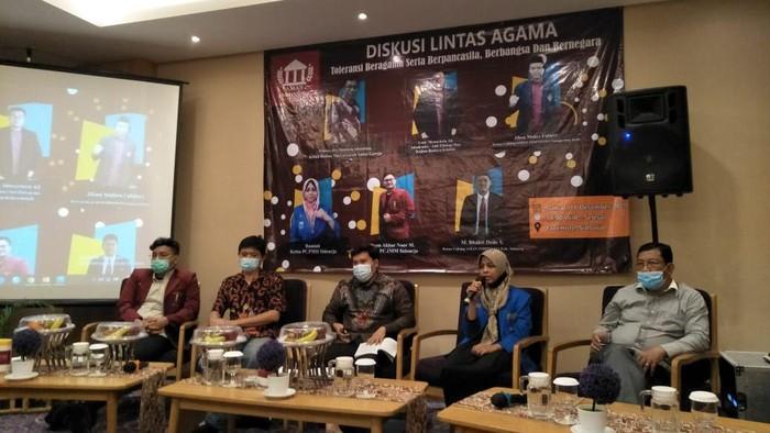 Pergerakan Mahasiswa Islam Indonesia (PMII) dan Ikatan Mahasiswa Muhammadiyah (IMM) di Sidoarjo sepakat memperkuat kampanye menjaga persatuan dan kesatuan bangsa. Kampanye ini setelah dirasa meningkatnya sikap intoleransi dan memecah belah bangsa.