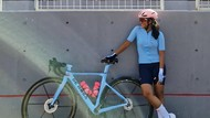 7 Gaya Artis Hobi Road Bike, Pakai Jersey Jutaan Rupiah