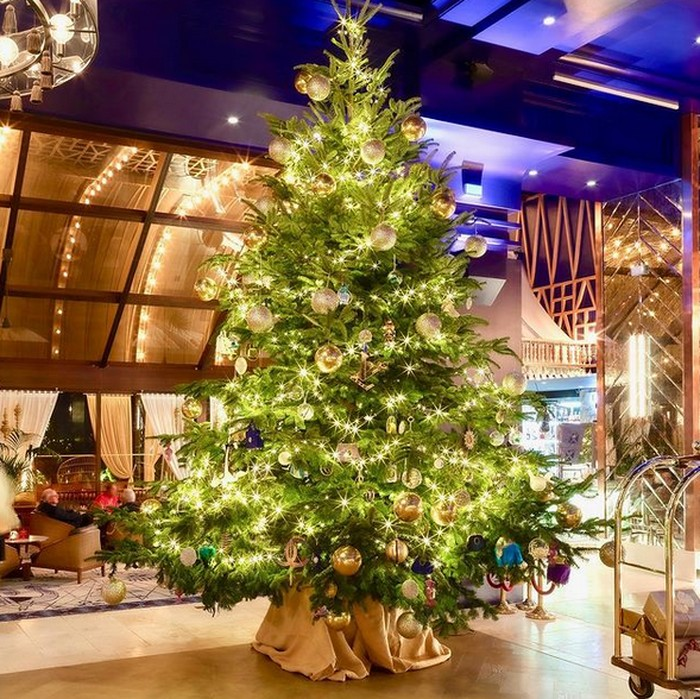 Pohon Natal Mewah
