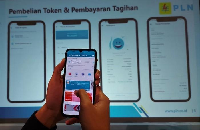 PLN luncurkan aplikasi layanan pelanggan New PLN Mobile. Beragam fitur tersedia di aplikasi itu untuk memenuhi kebutuhan serta memberi kemudahan bagi pelanggan.