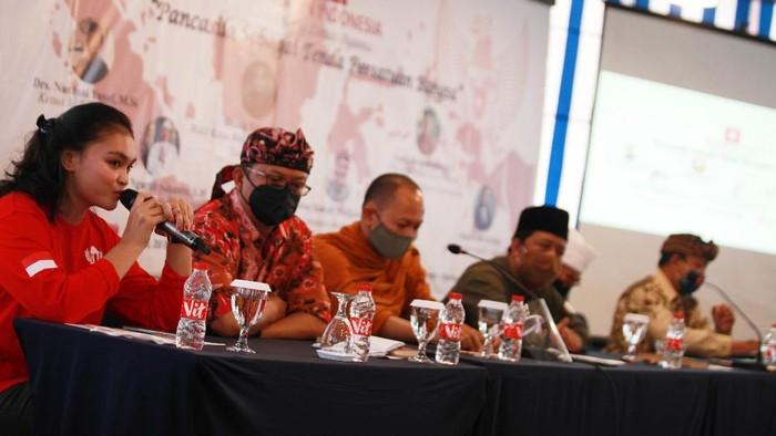 Dialog lintas agama digelar di Malang. Sejumlah tokoh lintas agama hadir dalam kegiatan itu untuk membahas pentingnya menjaga persatuan bangsa.