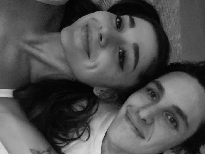 Ariana Grande tunangan dengan Dalton Gomez.