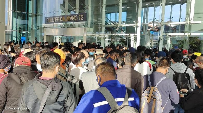 Situasi di T2 Bandara Soetta Senin pagi (21/12/2020).