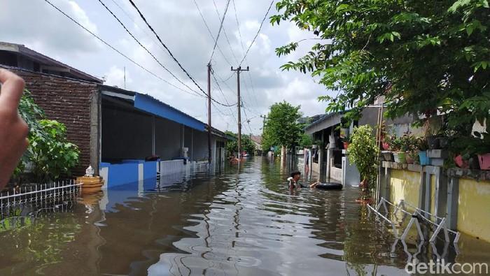 Banjir di Perumnas Antang Makassar.
