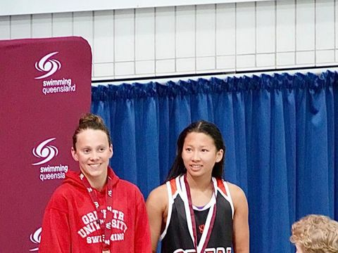 Capaian apik diukir oleh perenang muda Indonesia, Elysha Pribadi, di pengujung tahun ini. Elysha meraih dua medali pada kejuaraan di Australia, 12-18 Desember