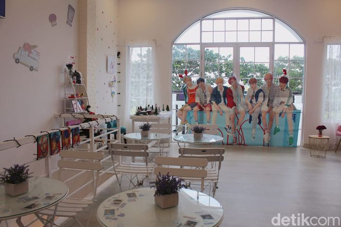 ARMY Dijamin Betah Nongkrong di Kafe Bertema BTS Ini!