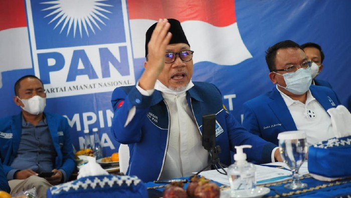 Ketum PAN Zulkifli Hasan memimpin Musyawarah Wilayah Partai Amanat Nasional Kalimantan Timur, Senin(21/12).