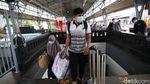 Stasiun Senen Ramai Jelang Libur Nataru