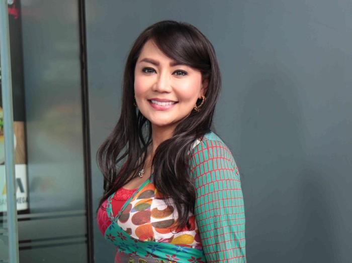 Tessa Kaunang ogah balikan lagi dengan Sandy Tumiwa.