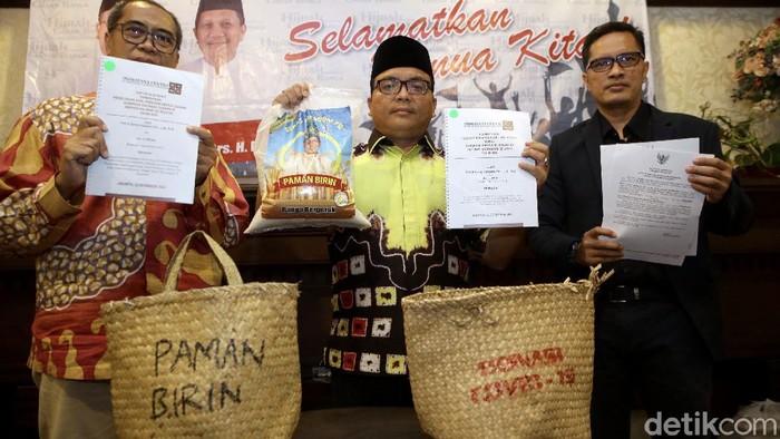 Calon Gubernur Kalimantan Selatan Denny Indrayana menggugat KPU Kalsel ke MK. Hal itu ia lakukan untuk memperjuangkan kemenangannya di Pilgub Kalsel.