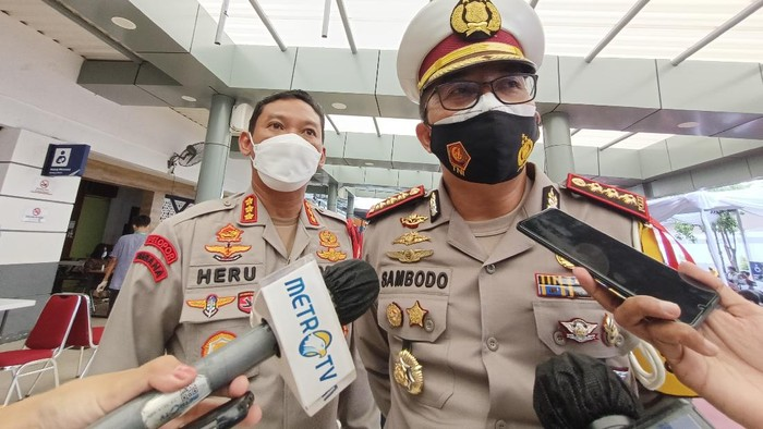 Dirlantas Polda Metro Jaya Kombes Sambodo Purnomo Yugo di Stasiun Senen