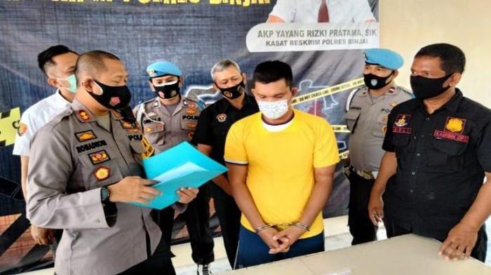 Kapolres Binjai AKBP Romadhoni Sutardjo SIK beberkan kasus pemalsuan surat dimana tersangka mengaku sudah meninggal ternyata masih hidup.(ANTARA/HO).