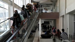 Pelni masih memberlakukan penggunaan hasil tes rapid antibodi bagi calon penumpang. Hal itu dilakukan untuk mencegah penyebaran virus Corona jelang libur nataru