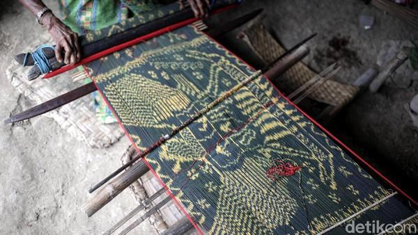 Diketahui, tenun motif Garuda ini merupakan salah satu motif yang sudah dibuat lama oleh warga Malaka.