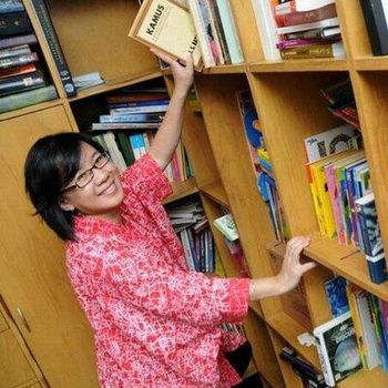 Penulis Bestseller Clara Ng