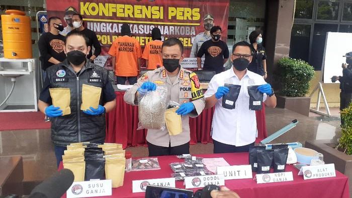 Polres Jakarta Selatan ungkap perederan susu hingga dodol dengan kandungan ganja.