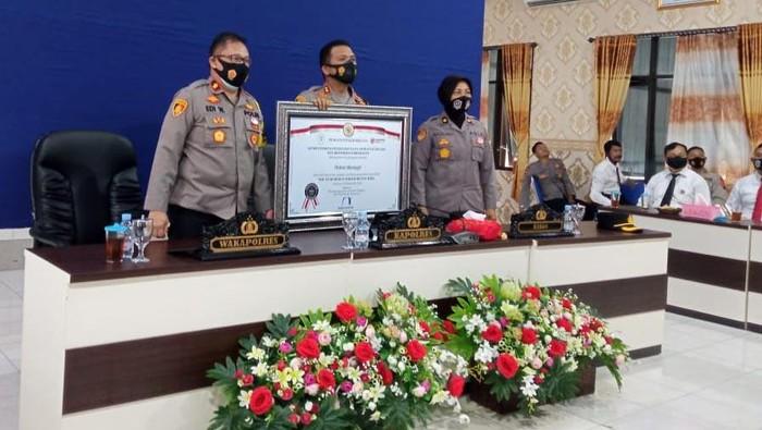 Polres Wonogiri meraih predikat Wilayah Bebas Korupsi (WBK). Penghargaan diberikan oleh KemenPAN-RB, Senin (21/12).