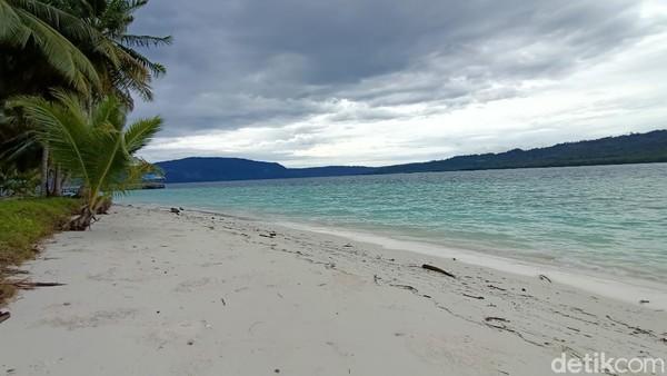 Namun keindahan pulau Kaniungan ternyata tidak seindah nasib warga yang mengelola pulau ini. Akibat wabah COVID-19, dalam beberapa bulan terakhir, jumlah wisatawan yang berkunjung mengalami penurunan hingga mencapai 50 persen. (Muhammad Budi Kurniawan/detikTravel)