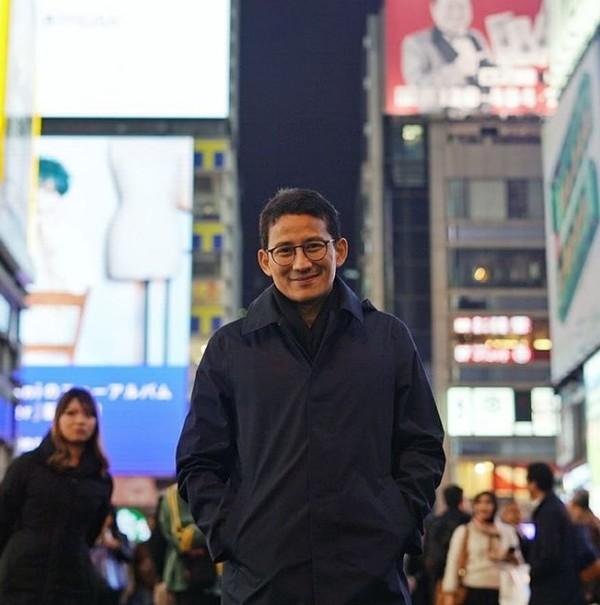 Sandiaga menyebutkan dia sedang menghabiskan malam minggu di Dotonbori Street, Osaka, Jepang. (sandiuno/Instagram)