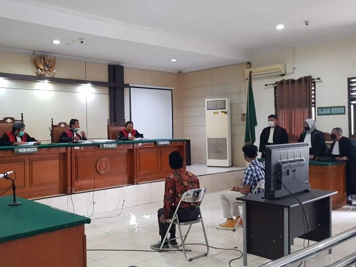 Sidang 4 mahasiswa terkait kasus demo berujung ricuh di Semarang, Selasa (22/12/2020).