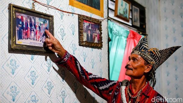 Menurut Raja Kloit, Duta Besar Spanyol singgah di Malaka pada 2011 dan memastikan tongkat itu memang asli Portugal. Tongkat itu disebut berasal dari tahun 1538. Kepala Dinas Pariwisata Malaka Rofinus Bau menyebut tongkat emas itu bagian sejarah yang ada di Istana Likurai Malaka.
