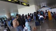 Antrean Panjang Rapid Test Antigen di Bandara YIA Yogya
