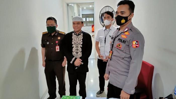 Bareskrim Polri limpahkan tersangka kasus ujaran kebencian terhadap NU, Gus Nur ke Kejagung