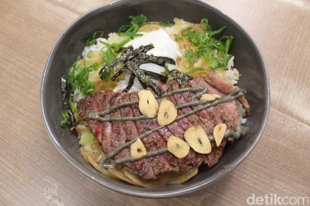 Isuka: Ramen, Sando hingga Sushi Lezat di Resto Jepang Fusion