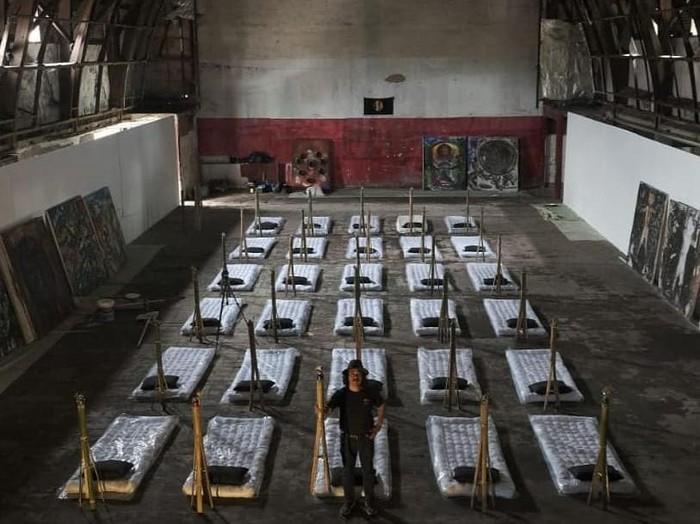 Pameran Tunggal Tisna Sanjaya di Gedung Eks Bioskop Dian Bandung
