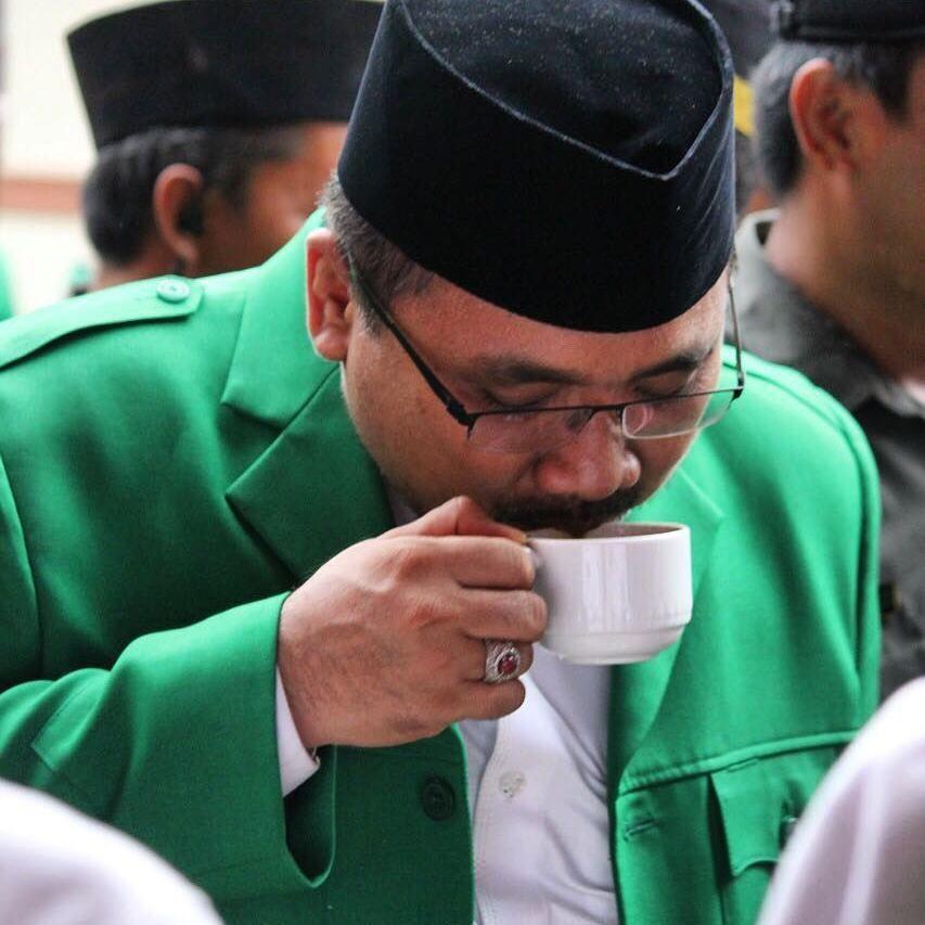 Yaqut Cholil Qoumas, Menteri Agama yang Suka Makan Lesehan