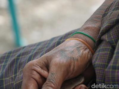 Tato Tradisional Malaka Tanda Bucin ABG yang Mulai Punah