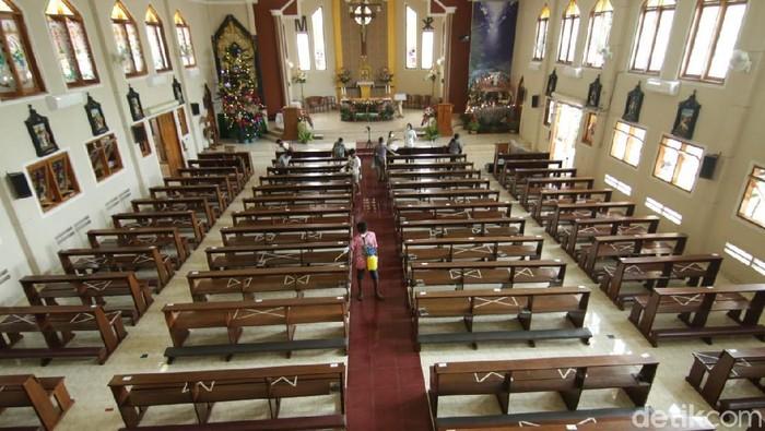 gereja ratu maria damai banyuwangi
