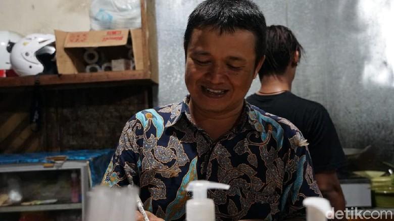 Julianto Putra, pemilik warung makan Srisolo di Betun, Malaka, NTT