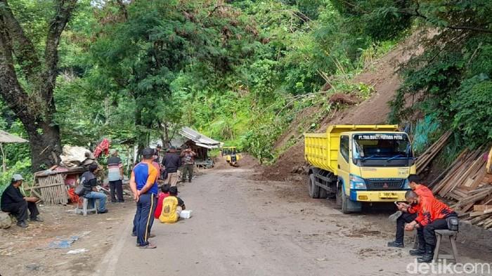 Longsor di Geopark Ciletuh Sukabumi