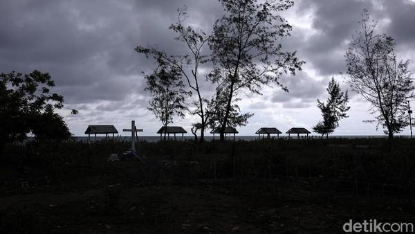 Pantai Welulik di Malaka, Nusa Tenggara Timur (NTT) tidak hanya memiliki pemandangan indah, tapi juga menyimpan sebuah tragedi.